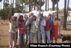 Віктар Копач з калегамі ў Індыі