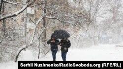 Фахівці радять готуватися до різких перепадів температур впродовж цілого року