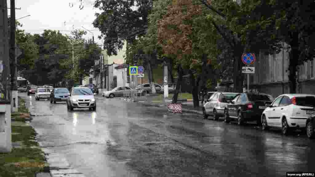 По информации Крымского управления по гидрометеорологии и мониторингу окружающей среды, сложные погодные условия ожидаются и 15 сентября