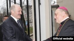 Сустрэча Аляксандра Лукашэнкі й Тадэвуша Кандрусевіча, красавік 2009-га.