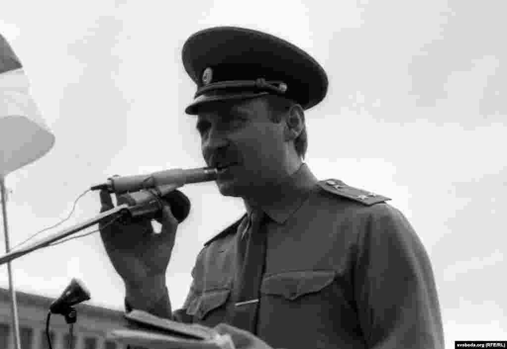 Мікола Статкевіч абвяшчае аб утварэньні БЗВ, 20 жніўня 1991 году