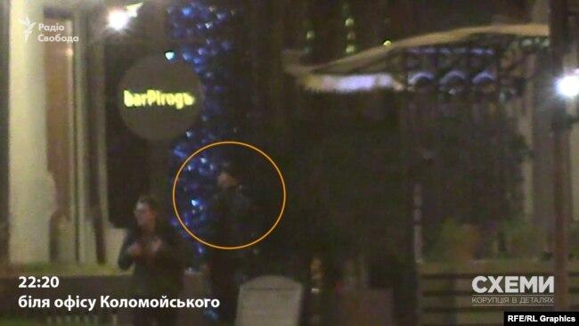 «Схеми» помітили поблизу офісу Коломойського в центрі Києва охоронців