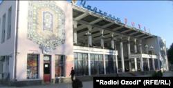 """Чойхонаи """"Роҳат"""" дар маркази шаҳри Душанбе."""