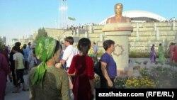 Ұлттық саябақ. Түркіменстан, Ашғабад, 2011 жыл.