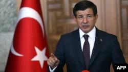 Түркия премьер-министрі Ахмет Дәуітоғлы. Анкара, 24 шілде 2015 жыл.