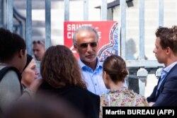 طارق رمضان بعد از جلسه دادگاه ۳۰ اوت امسال در پاریس