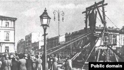 Демонтаж памятника Столыпину в Киеве. 19 марта 1917 года