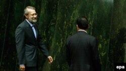 علی لاریجانی پیشتر از دولت حسن روحانی به خاطر سند آموزشی ۲۰۳۰ یونسکو انتقاد کرده بود.