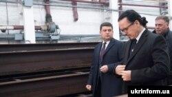 Голова правління ПАТ «Укрзалізниця» Войцех Балчун та прем'єр-міністр Володимир Гройсман, Київ, 3 листопада 2016 року