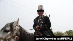 86 жаштагы Асан Сыдыкбеков аксакал бүгүн да күүлүү-күчтүү