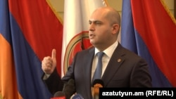 Armenia -- A deputy chairman of the ruling Republican Party, Armen Ashotian, speaks in Yerevan, 30Mar2016