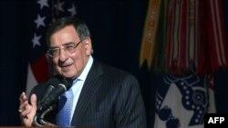 Леон Панетта прощается со служащими Пентагона