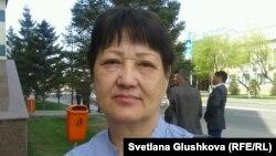 Қала тұрғыны Күләш Омарханова. Астана, 8 мамыр 2014 жыл.