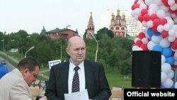 Михаил Пальцев (на фото справа) на празднике по случаю закладки фундамента очередного академического здания. Всего их у ММА им. Сеченова более ста.