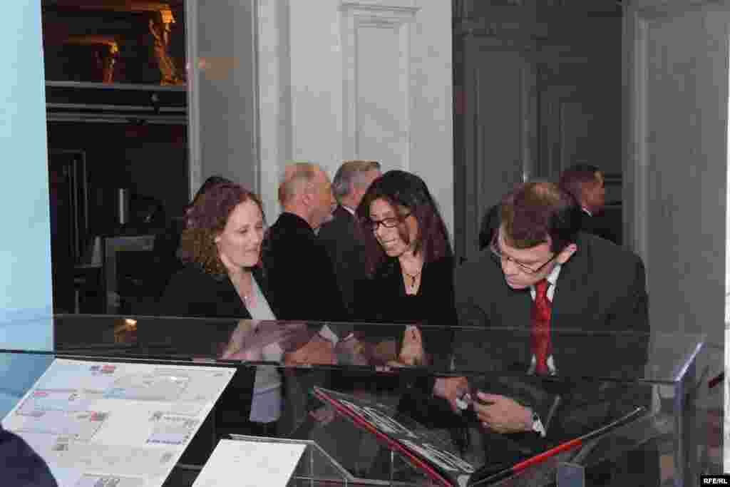 Reception attendees examining some of the letters on display - (Photo: P. Alunans)