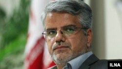 محمود صادقی، نماینده مجلس ایران، در روزهای اخیر بهخاطر پرسش درباره حسابهای شخصی رئیس قوه قضاییه و تلاش ماموران دادستانی برای بازداشت وی خبرساز شده است