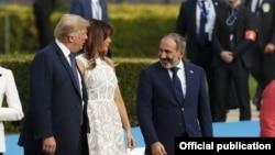 Президент США Дональд Трамп с супругой и премьер-министр Армении Никол Пашинян в Брюсселе, где проводился саммит НАТО, 11 июля 2018 г.