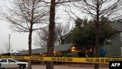پلیس گریپ وین در تگزاس اطراف آپارتمانی که اعضای یک خانواده ایرانی در آن کشته شده بودند را بسته است.