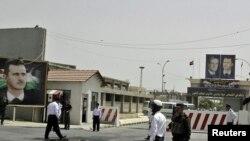 Дамаскідегі орталық түрменің сыртқы көрінісі. Сирия, 28 мамыр 2010 ж.