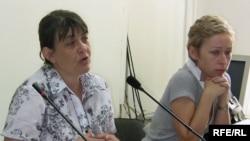 Marika Tsotsoria, left, and Natalia Parfenova, wives of arrested Kazatomprom executives at a press conference on July 1
