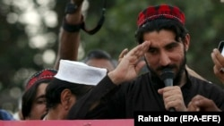 FILE: Manzoor Pshteen, the leader of the Pashtun Tahafuz Movement (PTM), speaks during a demonstration in Lahore in April 2018.
