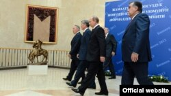 Під час саміту ОДКБ в Бішкеку, 28 травня 2013 року