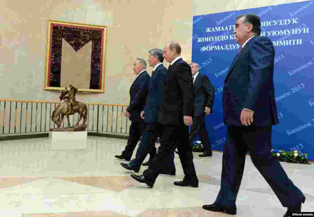 Главы государств-членов ОДКБ в Бишкеке