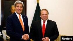 Американскиот државен секретар Џон Кери и пакистанскиот премиер Наваз Шариф.