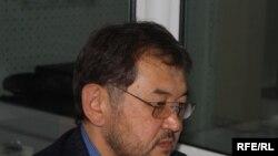 Эмил Үмөталиев, экономикалык тескөө министри.