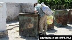 Türkmenistanda öýsüzlere agyr gyşyň garaşýandygy aýdylýar.