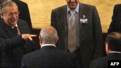 طالباني يؤشر نحو المالكي وعلاوي في جلسة لمجلس النواب