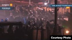 Демонстранттар мен полицияның қарсылығы. Киев, 21 қаңтар 2014 жыл.