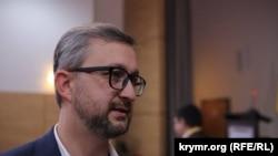 Nariman Celâl Kyivdeki Qırımtatar Milliy Qurultayı konferentsiyasında