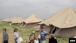 مخيم لعائلات نازحة في الموصل