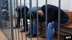 Підозрювані у вбивстві Нємцова на засіданні суду, 8 березня 2015 року