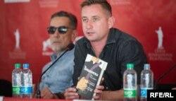 Актор Олексій Горбунов, який буде грати одну з головних ролей, та письменник Сергій Жадан (зліва на праворуч)