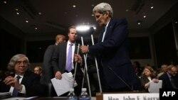 جان کری و ارنست مونیز در جلسه کمیته روابط امور خارجی سنای آمریکا