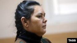 Өзбекстандық бала күтуші Гюльчехра Бобокулова соттың алдын ала тыңдауында. Мәскеу, 13 қазан 2016 жыл.
