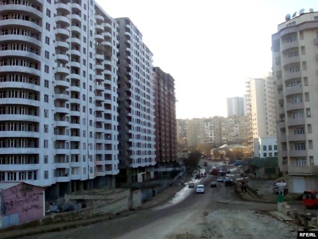 Evlerin Alqi Satqisi http://www.azadliq.org/content/article/1363553 ...