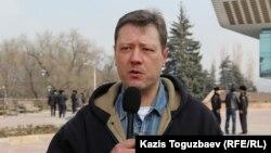 «Көкжайлауды қорғайық» қозғалысының белсендісі Андрей Бузыкин. Алматы, 19 ақпан 2015 жыл.