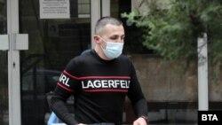 Адвокатът на Кристиан Николов не говори с пресата на излизане от полицейското управление.