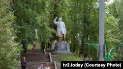 Памятник Кирову в Томске