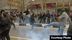 İranda Musəvi tərəfdarlarının etiraz aksiyası. Tehran, 27 dekabr 2009