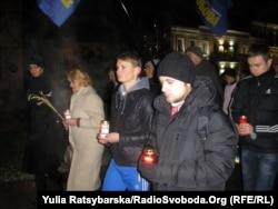 Голодомор құрбандарын еске алу күні. Днепропетровск, Украина. 24 қараша 2012 жыл.