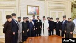 İlham Əliyev Şimali Qafqaz dindarları ilə görüşür