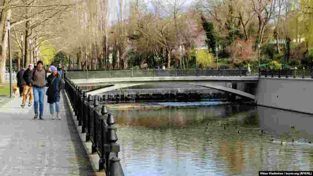 Міст по вулиці Шмідта
