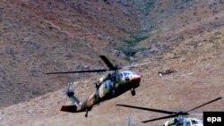 ارتش ترکيه در واکنش به حمله شورشیان کرد، به مواضع گروه پ کا کا در کوهستانهای شمال عراق حمله هوایی کرد. عکس از EPA