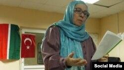 Фәүзия Бәйрәмова Төркиянең Анталья шәһәрендә яшәүче татарлар белән очрашуда.
