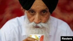 An Afghan Sikh man during a religious ceremony in Kabul (file photo)