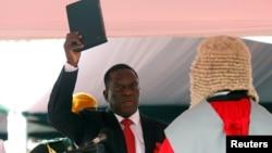Емерсон Мнагагва положи свечена заклетва како нов претседател на Зимбабве